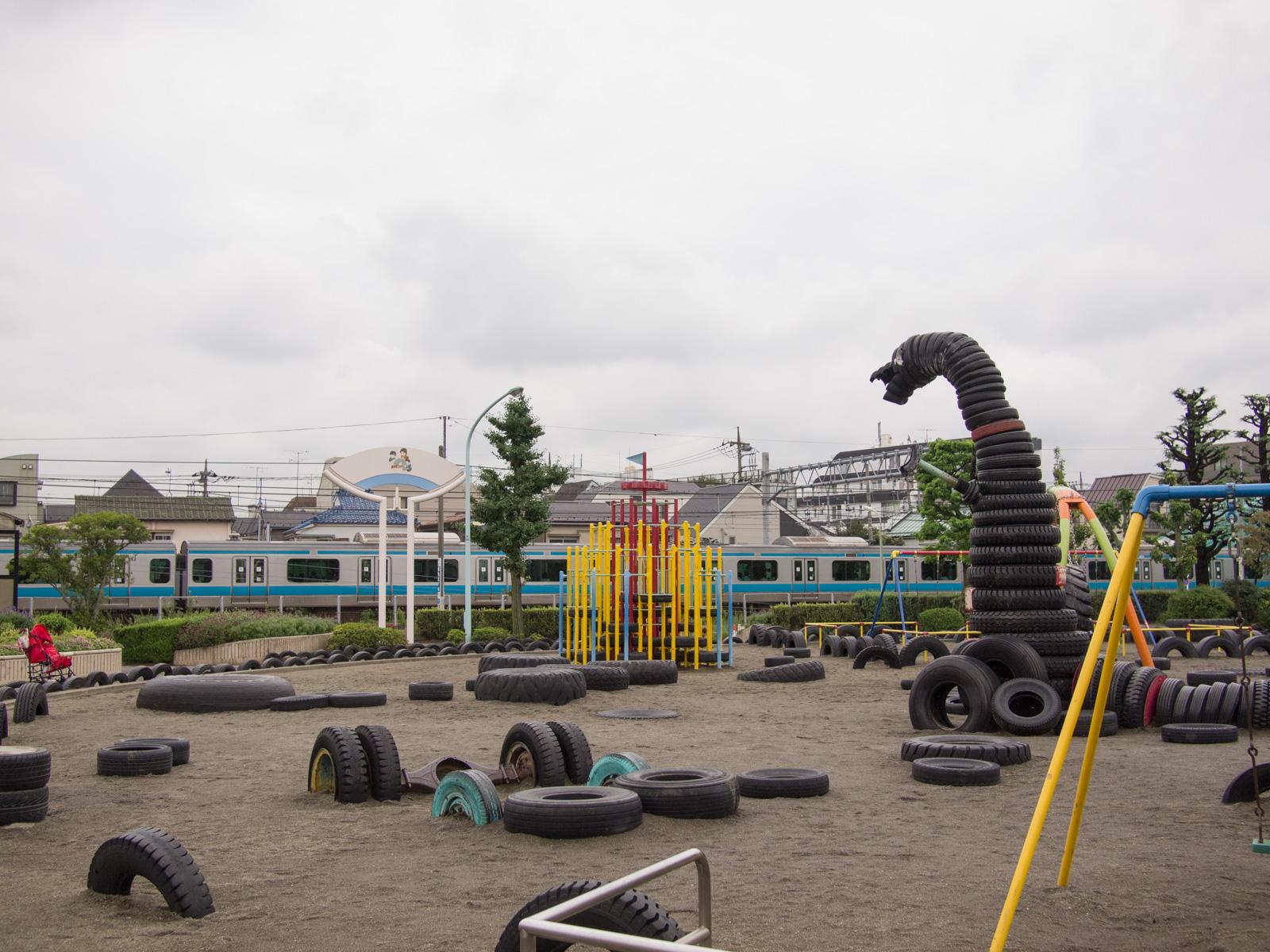 タイヤゴジラと京浜東北線