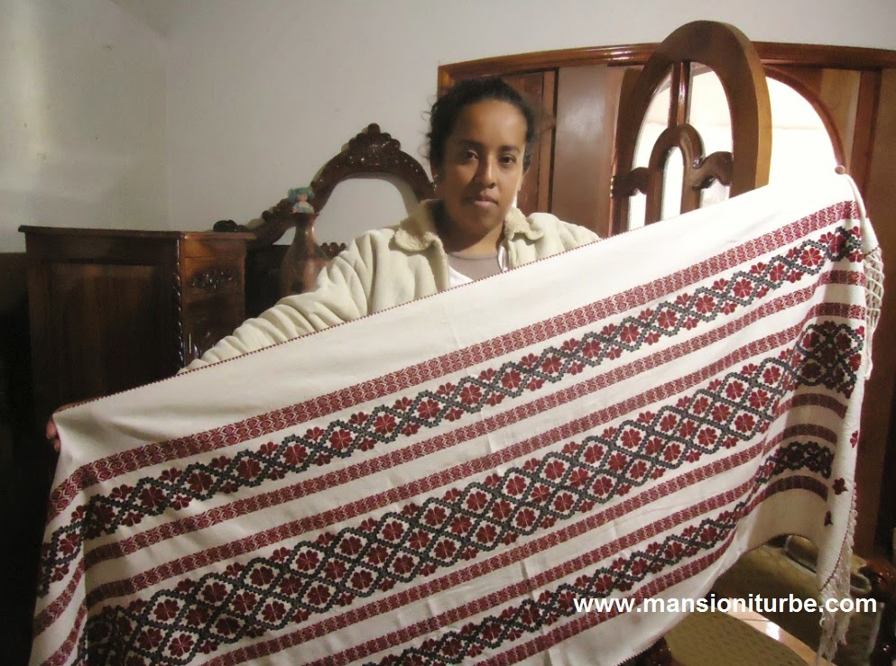 Indigenous artisan textiles in Tocuaro: Carmen Anciola