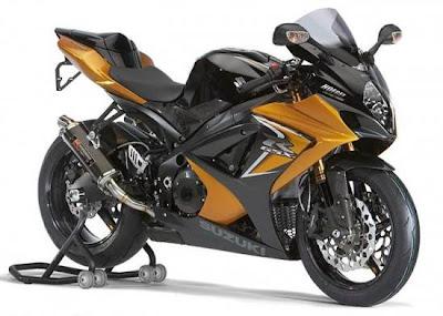 Suzuki GSX- R1000 :285kph