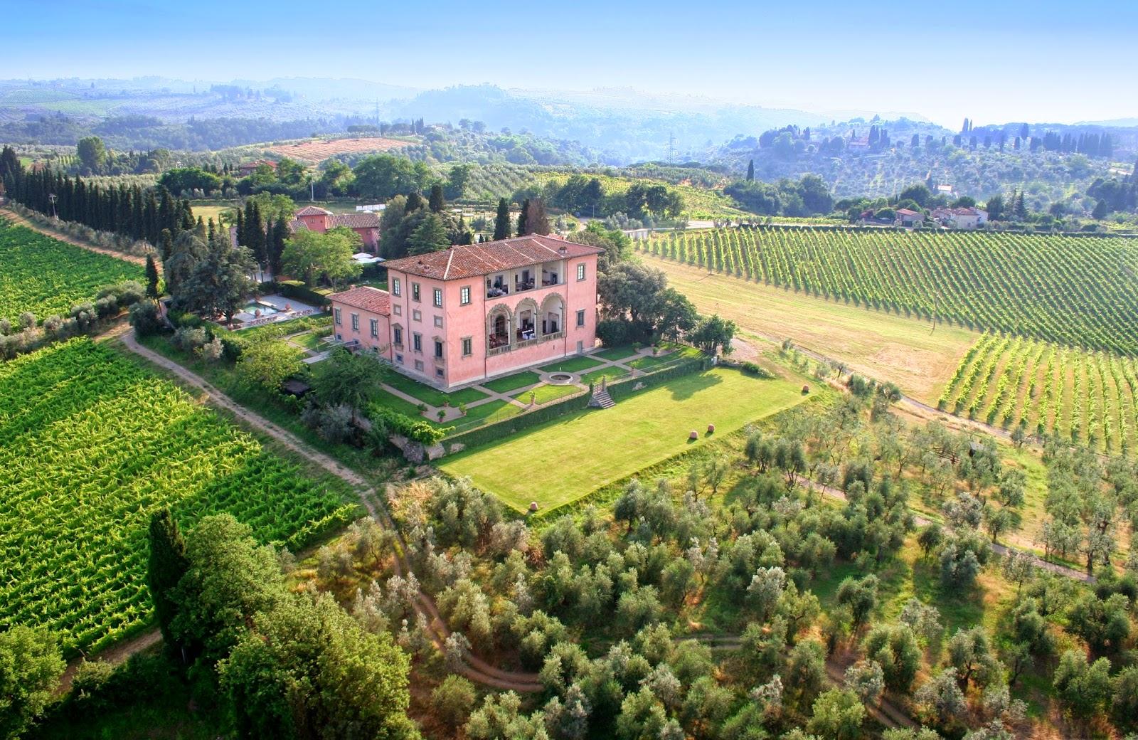 Villa Machiavelli entre las viñas de la Toscana italiana - Foto: TripAdvisor Vacation Rentals