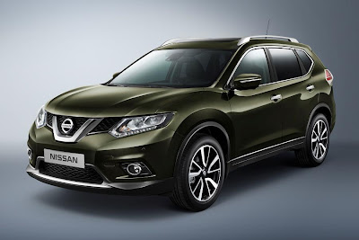 Nissan X-Trail (2014) Front Side