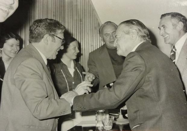 Manuel Molina (izquierda) con Ángel Caffarena y Gaspar Peral, Consuelo Ximénez y Perezgil