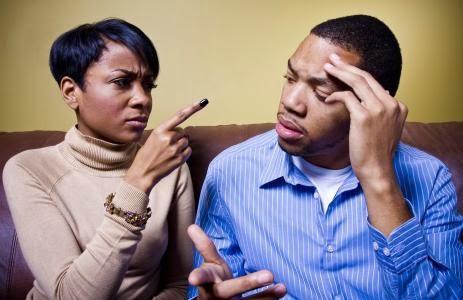 قبل الانفصال عن شريكتك... تسعة أسئلة عليك أن تجيب عنها  - رجل امرأة يتشاجران يتعاركان - يتشاكلان يتشاكسان يتناوشان - man woman fighting
