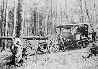 TANQUES Y BLINDAJES DE TANQUES 800px-Artillery_tractor_in_France_Vosges_Spring_1915