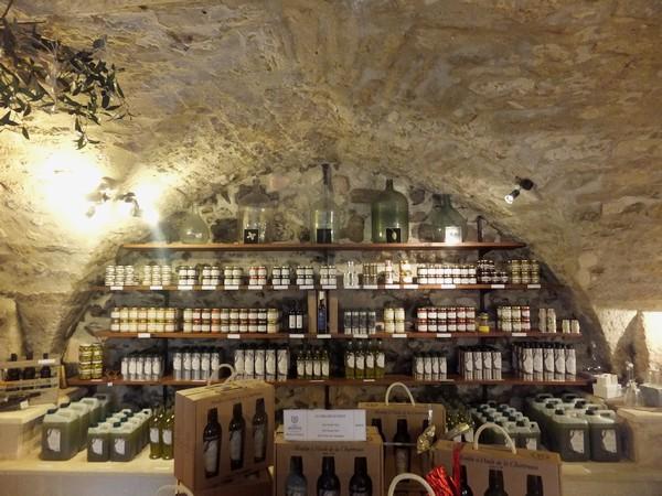 villeneuve lès avignon gard moulin grande chartreuse huile olive