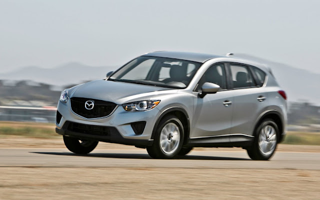 Side picture of Mazda CX-5 vehicle