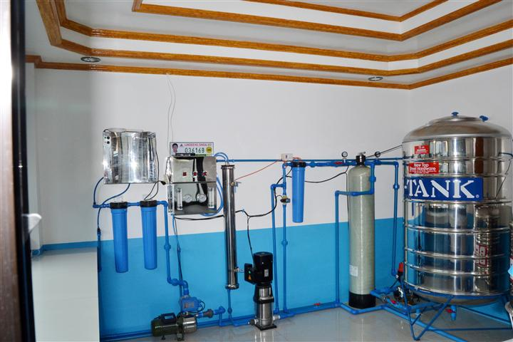 water refilling station essay Home swot analysis water refilling station swot analysis create a swot analysis dis advantage about of water refiling station: cost structure (water.
