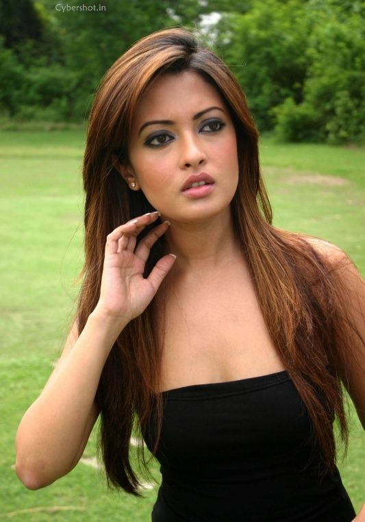 Bangladeshi actress mim hottest cutpiece movie seen from 2004 - 3 2