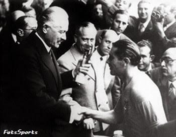 Giuseppe Meazza - Taça Jules Rimet Mundial 1938