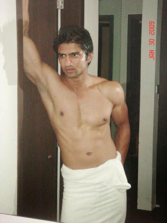 Desi Gay Desires: Hunks in Towel - 3