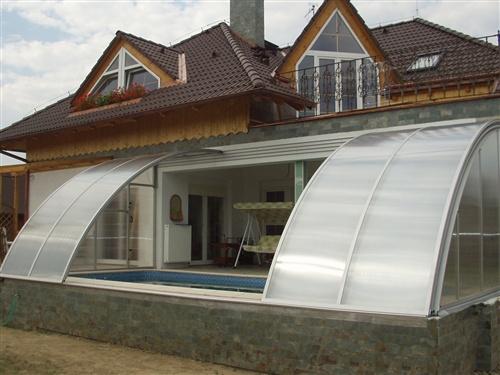 Cerramientos de piscinas en viviendas particulares for Cubiertas de piscinas
