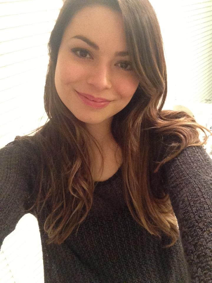 Miranda Cosgrove High Resolution