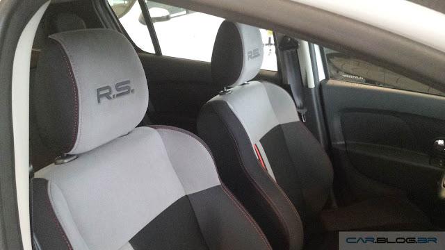 Renault Sandero R.S. 2.0 - interior
