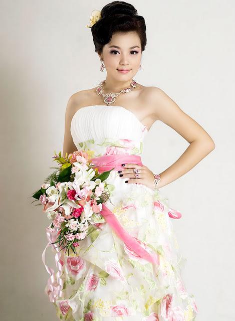 Phway Phway - Myanmar Model Girls