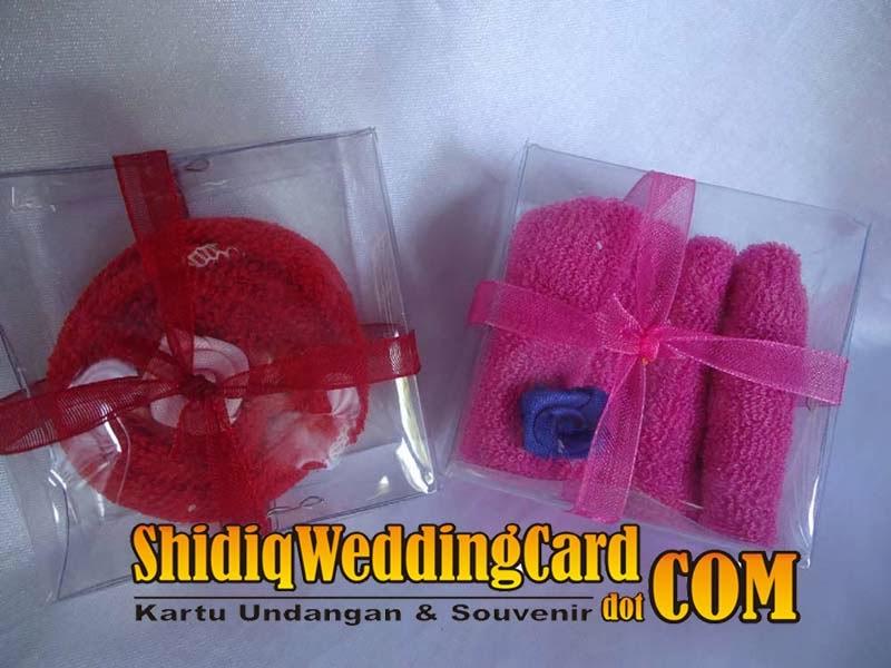 http://www.shidiqweddingcard.com/2014/02/souvenir-saputangan-handuk.html