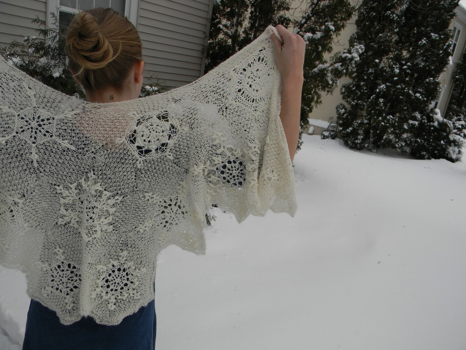 Adventures of a Northerner: FO: Snowflake Shawl for a Winter Bride