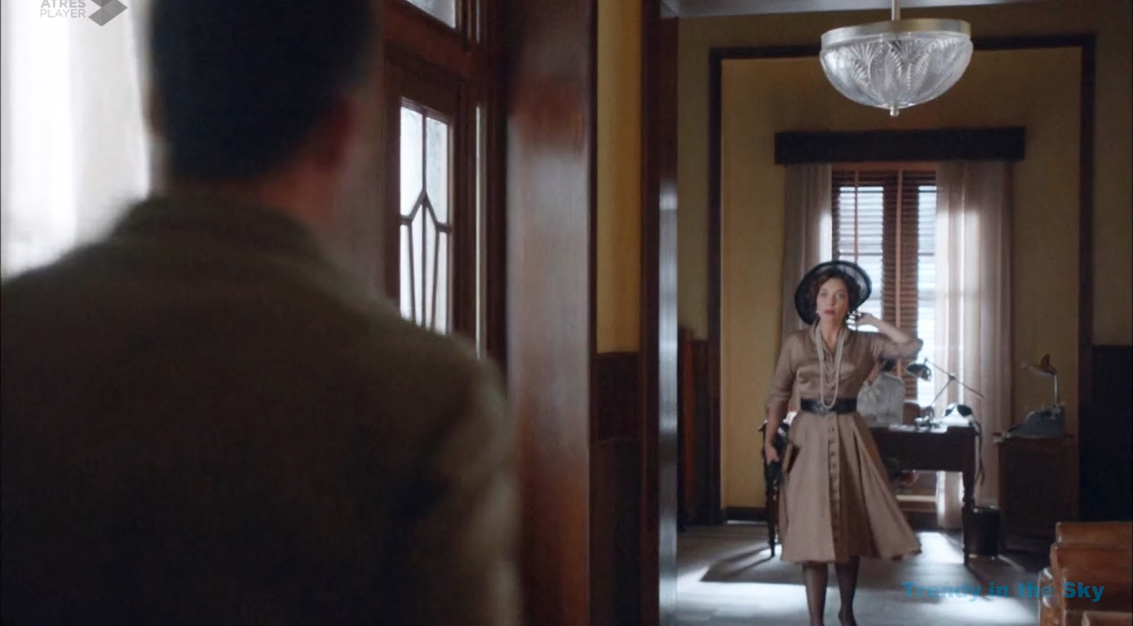 Galerías Velvet Pilar vestido marrón. Capítulo 1