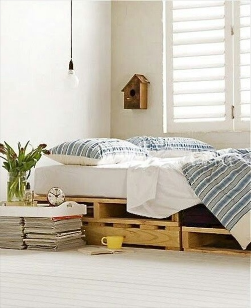 9 ways to create bed frames out of used pallet wood for Pallet bed frame