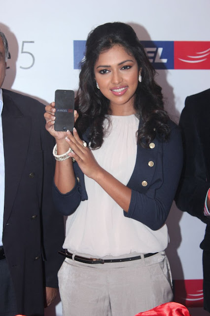 Amala Paul IPhone Luch Photos