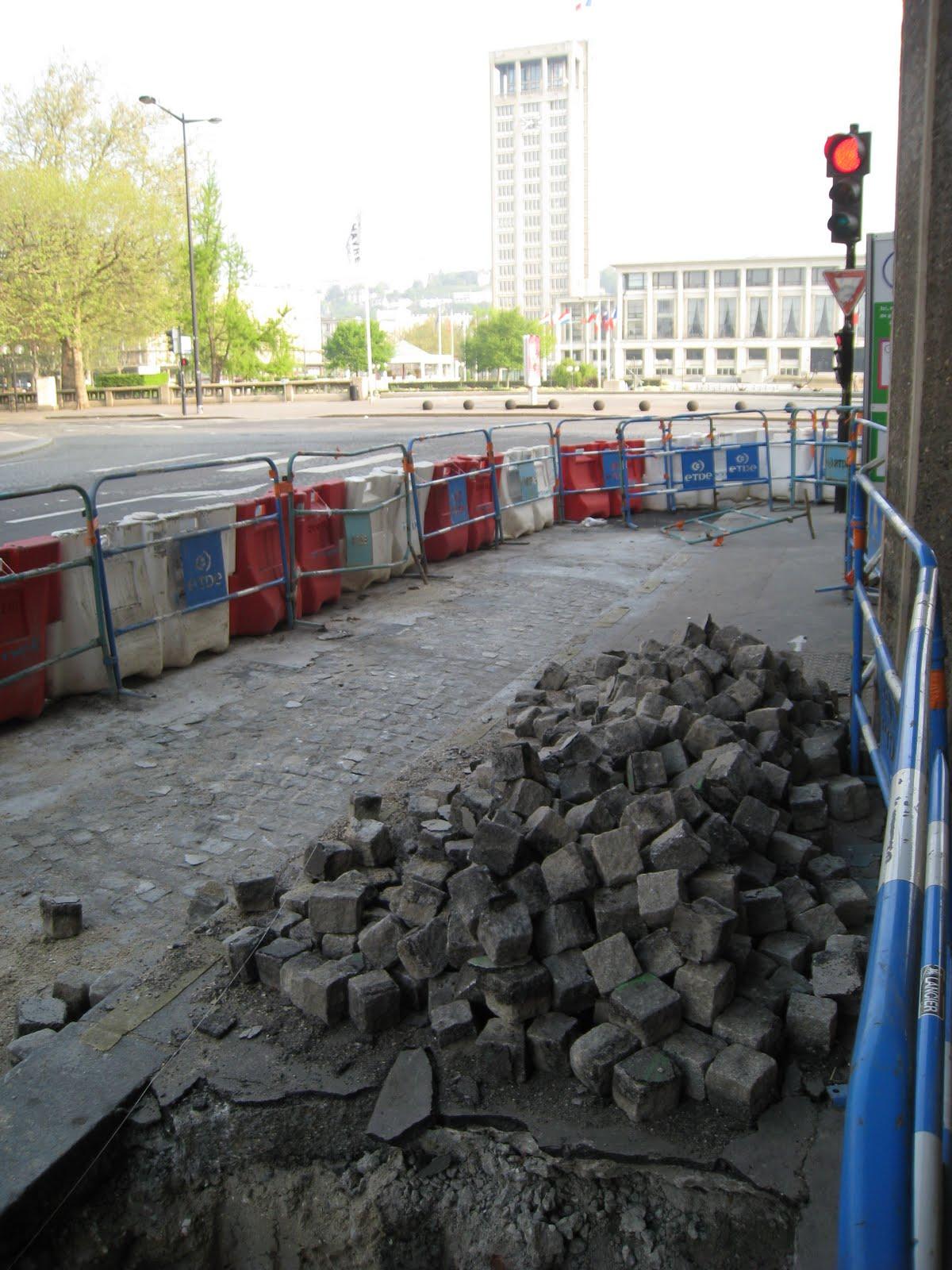 Tramway : En direct du chantier - Page 4 Pav%25C3%25A9slehavre2