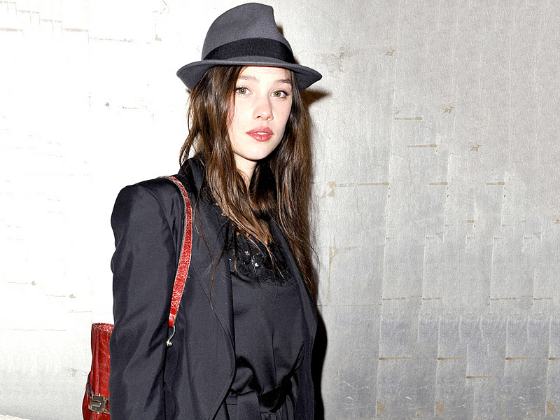 Beautiful Chehre  Astrid Berges Frisbey Wallpapers