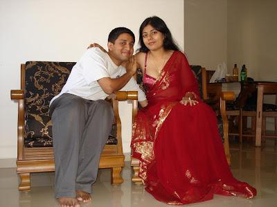 Hot Indian Aunties With Red Sari   Beautifull Girls