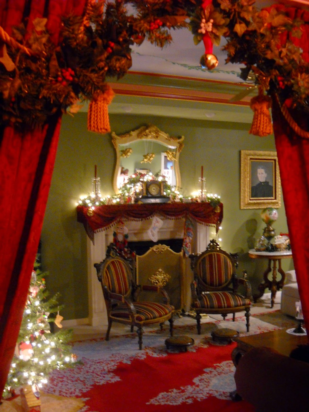 Victorian wanna be christmas in the parlor for Victorian decor
