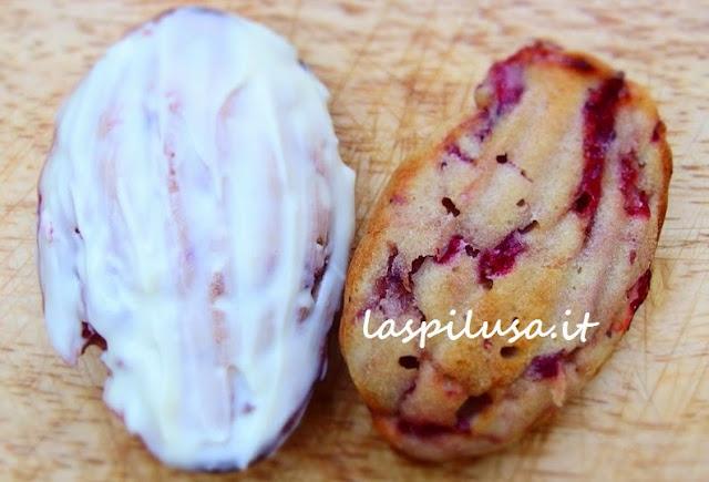 Ricetta delle madeleines francesi con fragole e cioccolato bianco
