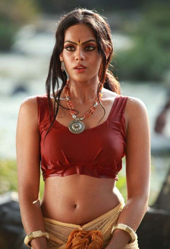 Wet Blouse Cleavage 80