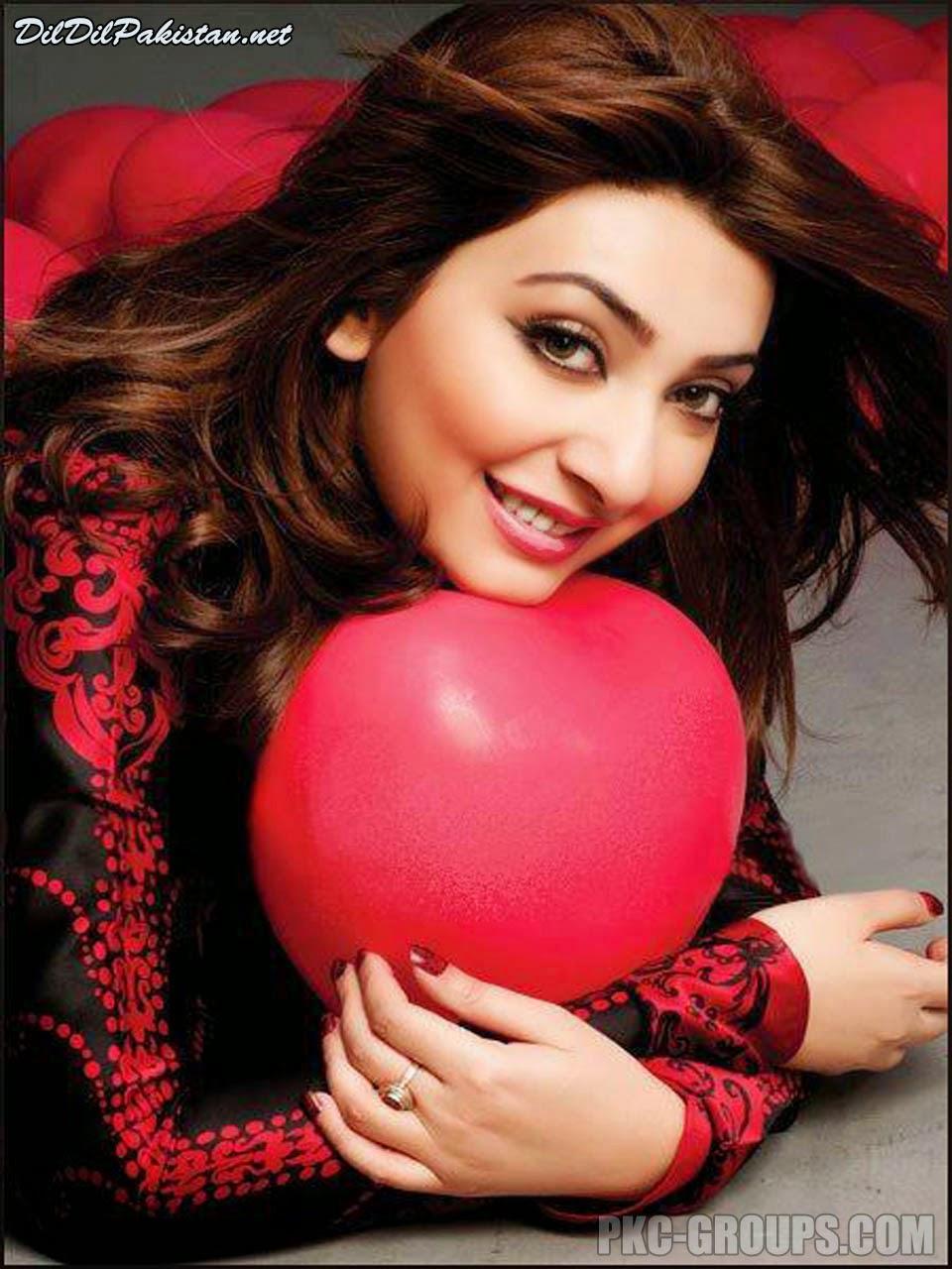 Ayesha khan instagram