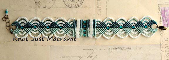 Duplex color micro macrame bracelet.