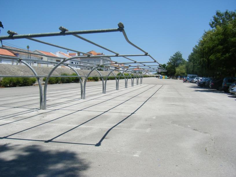 Parque de estacionamento - (já foi coberto)