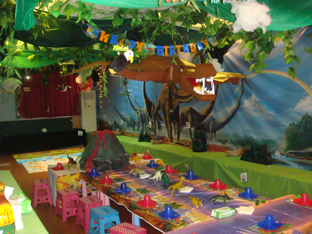 Kids Party Hub: Dinosaur Themed Party Ideas