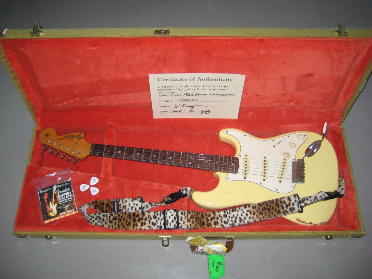 Guitar Collector Alert: Yngwie Owned 1966 White Strat ~ Stratocaster ...