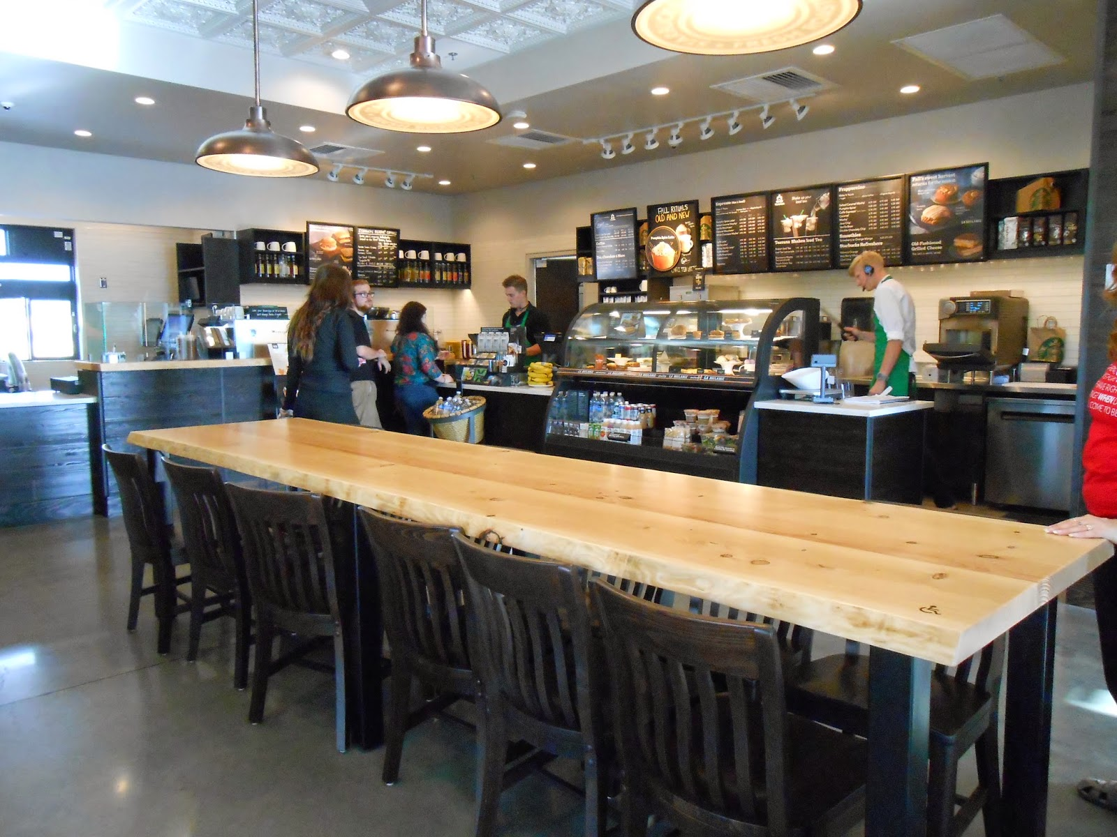 Hayden s Business Blog Starbucks Coffee in the Rocklin Crossings