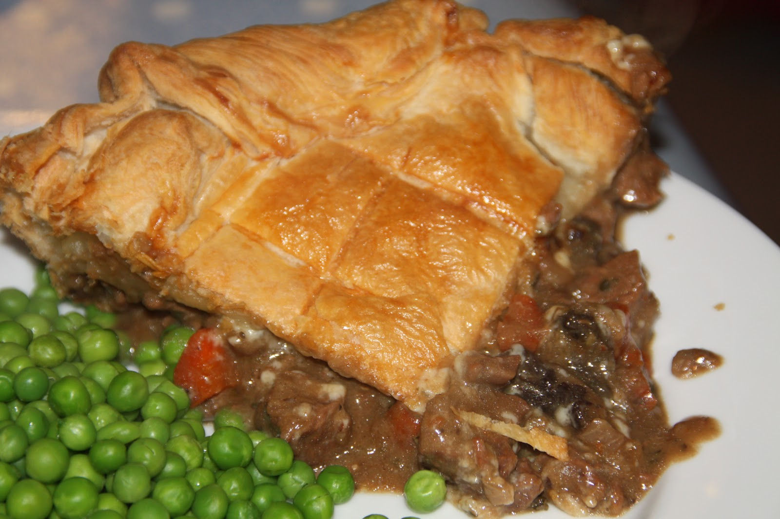 At Home with Mrs M!: Jamie O's Steak, Guinness and Cheese Pie