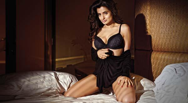 Amisha Patel Latest sizzling Photo Shoot in Black Lingerie
