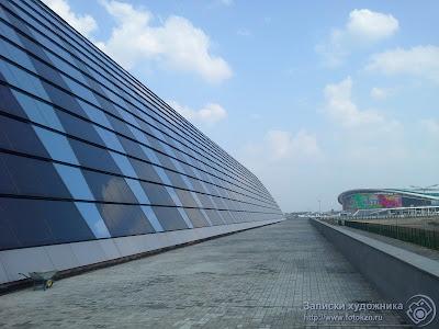Вид на стадион Казань-Арена от Дворца водных видов спорта