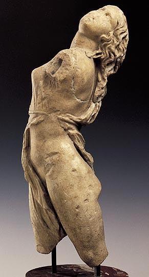 Las mejores obras de arte griegas. La escultura de una mujer.
