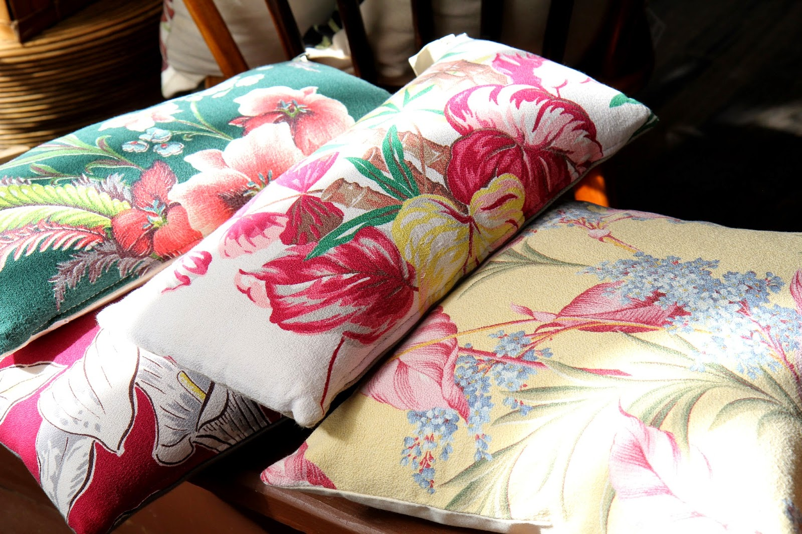 Hawaiian-Pillows
