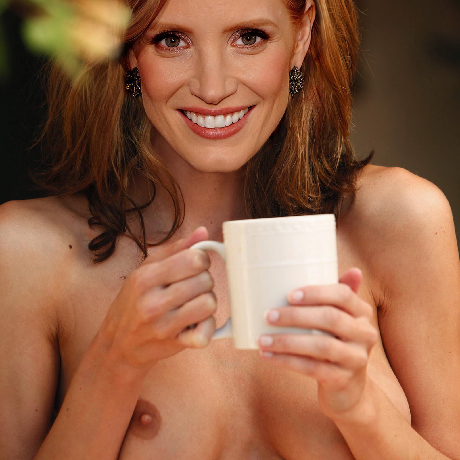 http://1.bp.blogspot.com/-ggAxYgmCo78/Tya1WjL934I/AAAAAAAADyI/9GzI3pPFTvI/s1600/Jessica_Chastain_topless_in_the_park.jpg