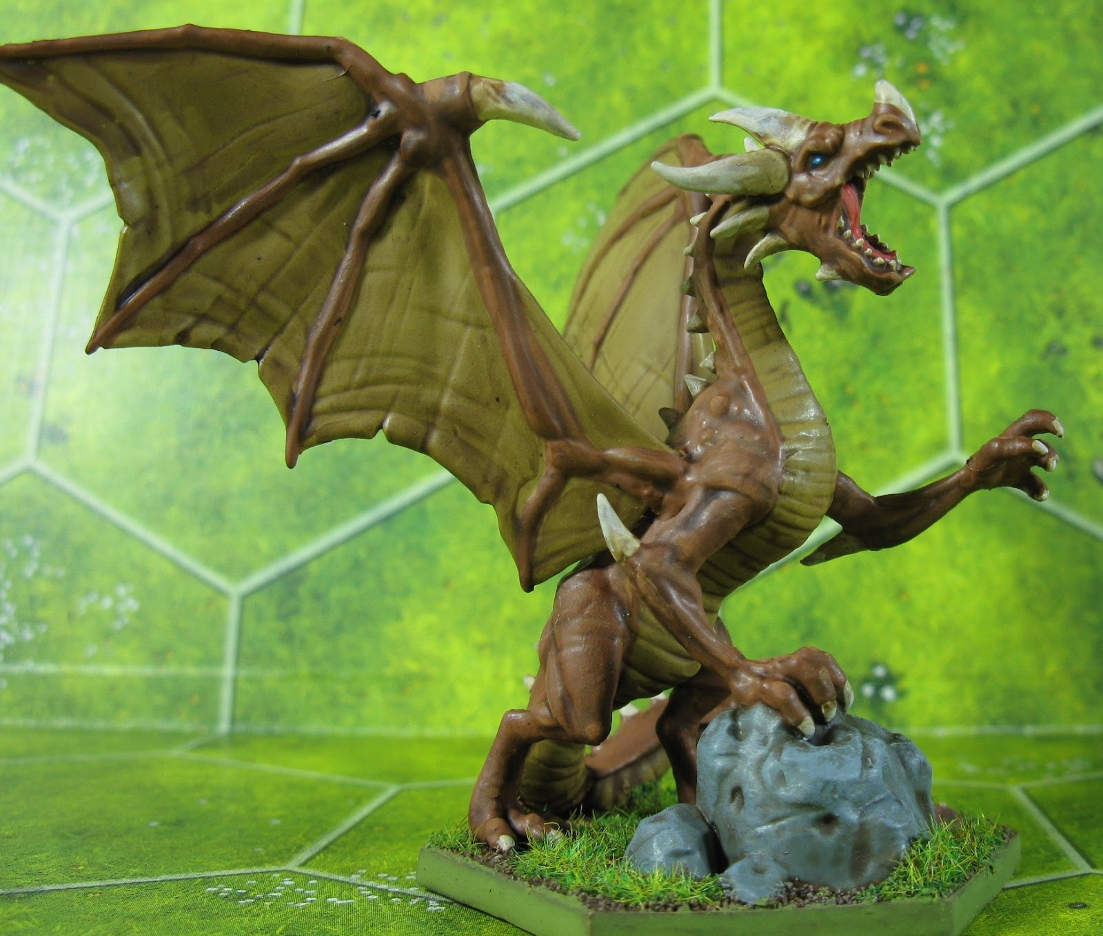 Giant Dragon Wargaming with ...