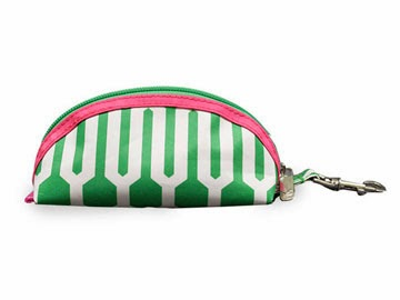 http://www.pinkgolftees.com/ladies-golf-accessories/golf-ball-holders.html