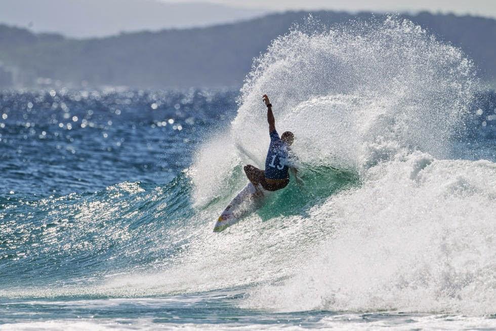 45 Quiksilver Pro Gold Coast 2015 Adriano de Souza Foto WSL Kelly Cestari