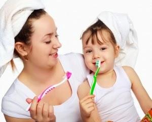 Tips Merawat dan Menjaga Kesehatan Gigi Susu Anak