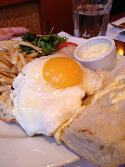 Basic Burger w/egg on french roll | Fries & aioli