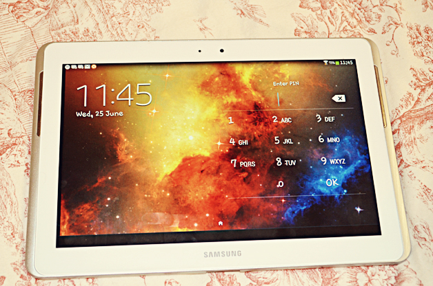 samsung galaxy tab 2, 10.1, fashion blogger, galaxy wallpaper, pastel, uk beauty blog