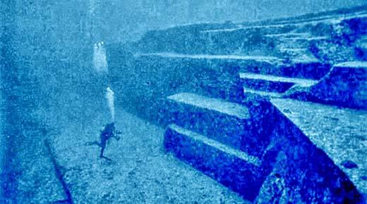 Buceando por las misteriosas ruinas submarinas de Japón con Graham Hancock