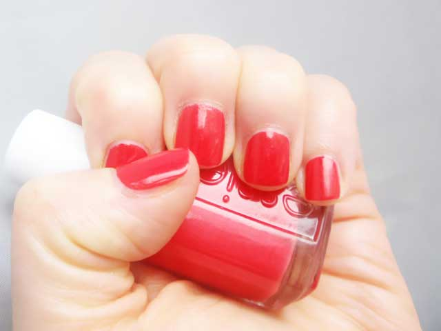 Essie Canyon Coral Swatch