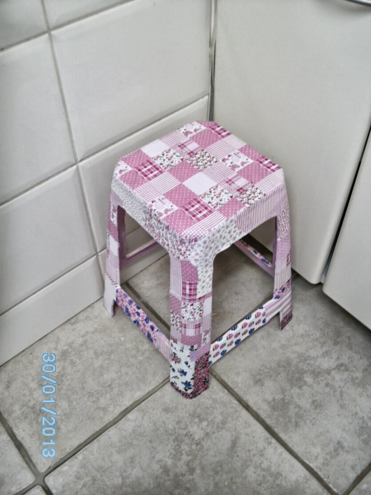 este em madeira do blog Maria Nazaré Artes . Pedacinhos de tecido  #50697B 1200x1600
